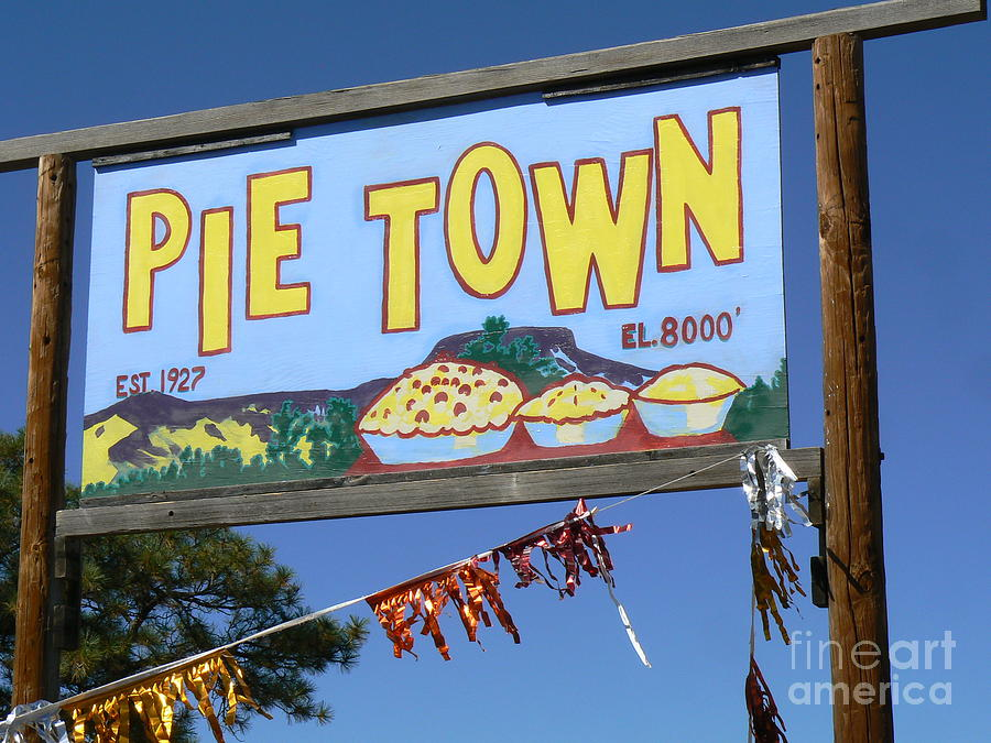 pie town chatrooms How pie town, new mexico, lives up to its name pie town is a real place, and it's more than pie that draws visitors to the tiny town by sophie putka.