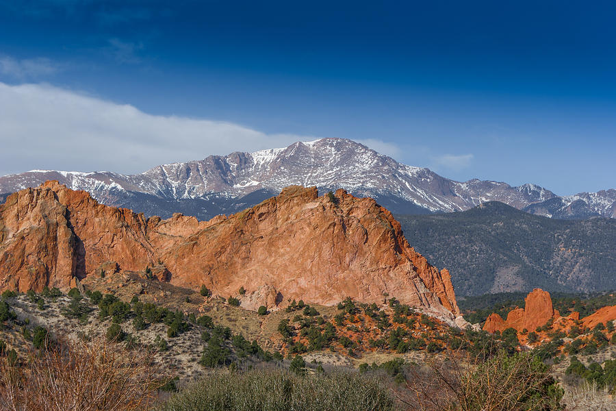 Colorado Photograph - Pikes Peak Behind Garden Of The Gods by Ernie Echols