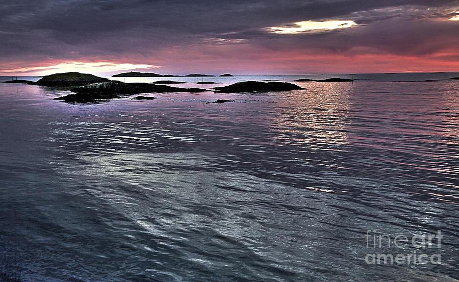 Pinkyblue Horizon 2 Photograph