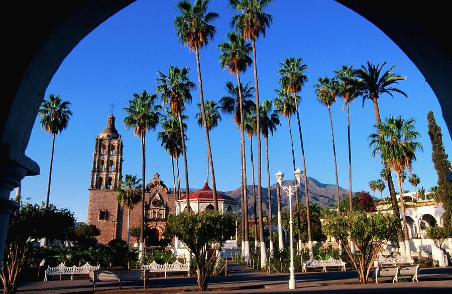 Plaza De Armas Photograph by John Elk