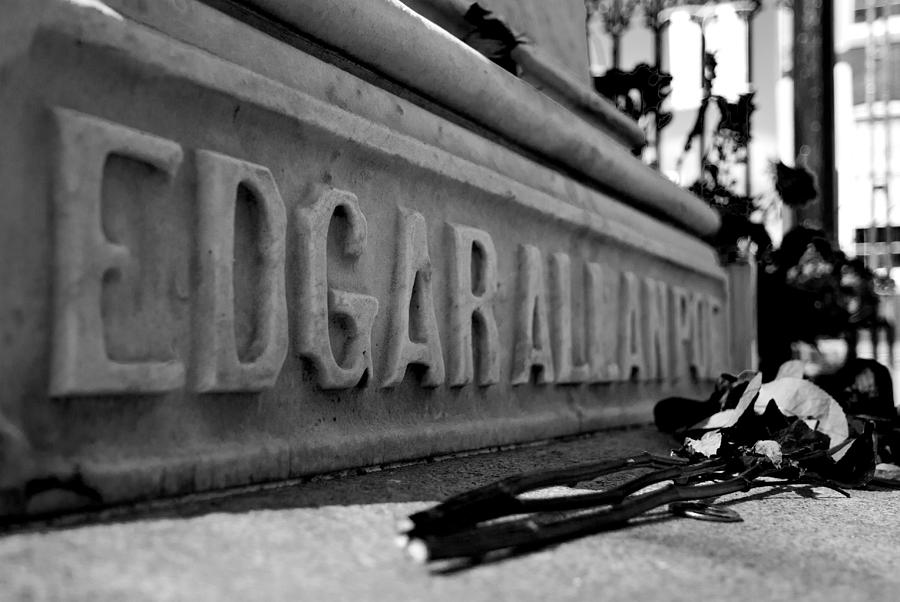 Edgar Allan Poe Photograph - Poes Grave by Jennifer Ancker