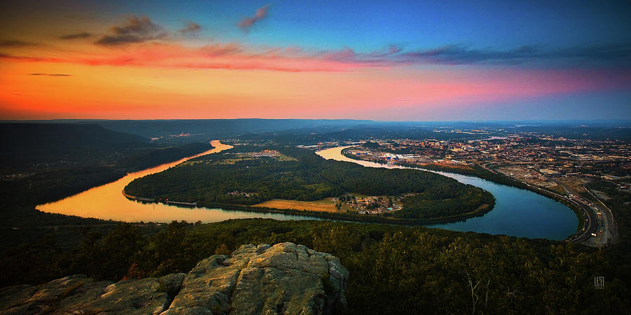 Moccasin Bend Photograph - Point Park Overlook by Steven Llorca