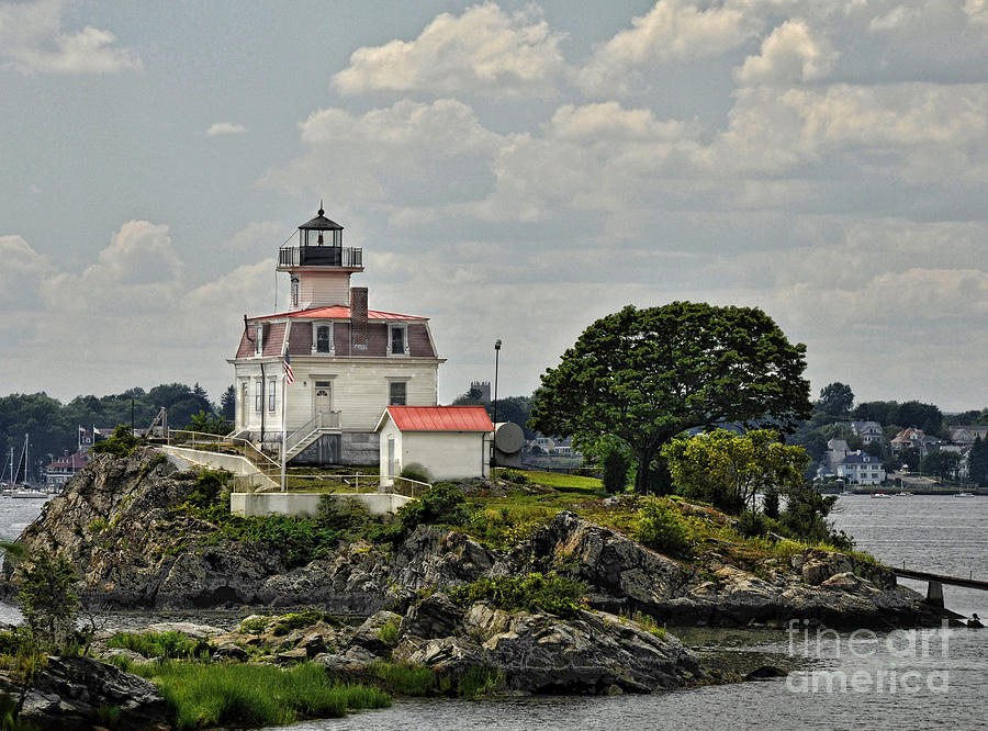 Providence Photograph - Pomham Rocks Lighthouse by Nancy De Flon