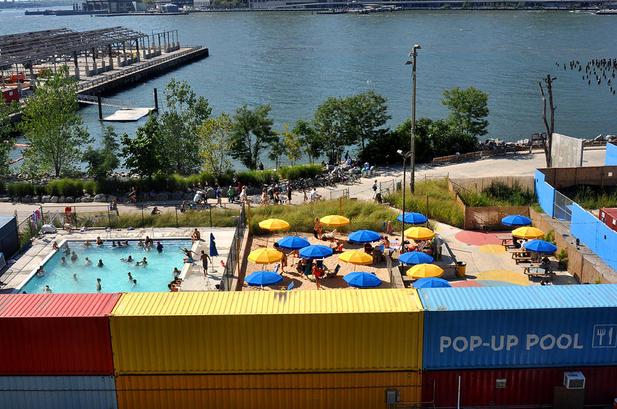 Pop Up Pool In Brooklyn Bridge Park Photograph By Diane Lent