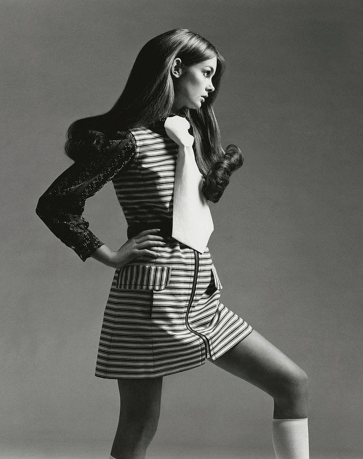 Portrait Of Jean Shrimpton Photograph by Gianni Penati