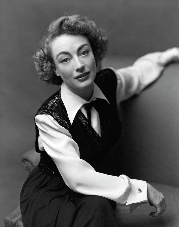 Portrait Of Joan Crawford Photograph by Richard Rutledge