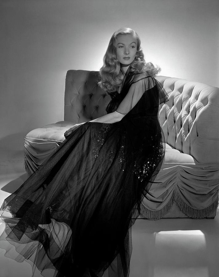 Portrait Of Veronica Lake Photograph by John Rawlings