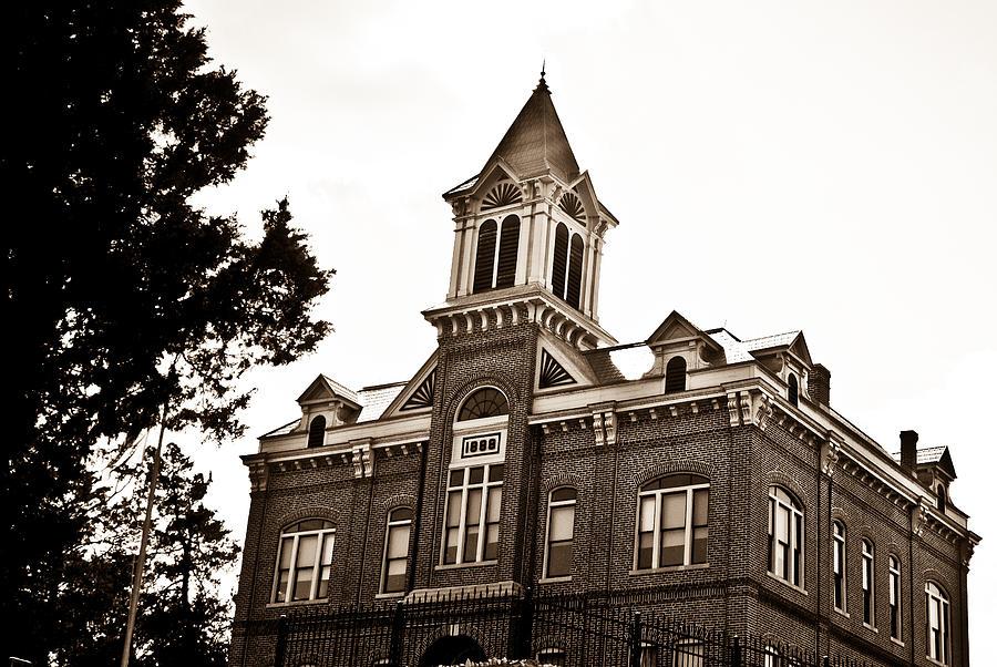 Powhatan Photograph - Powhatan Court House 2 by Douglas Barnett