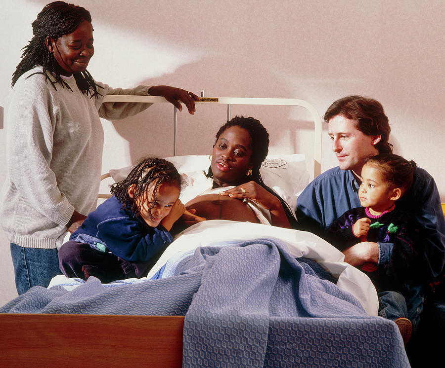 Pinard Photograph - Pregnant Woman And Her Family On An Antenatal Ward by Ruth Jenkinson/midirs/science Photo Library