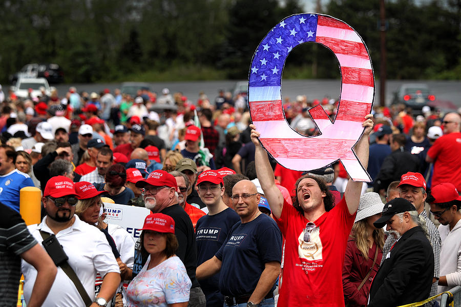 President Trump Holds Make America Great Again Rally In Pennsylvania Photograph by Rick Loomis