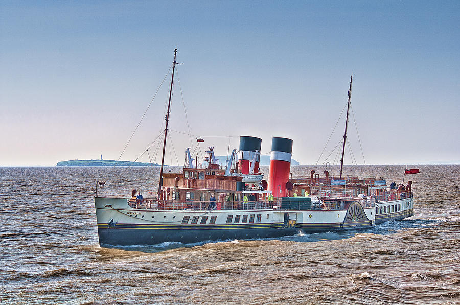 The Waverley Paddle Steamer Photograph - Ps Waverley Approaching Penarth by Steve Purnell