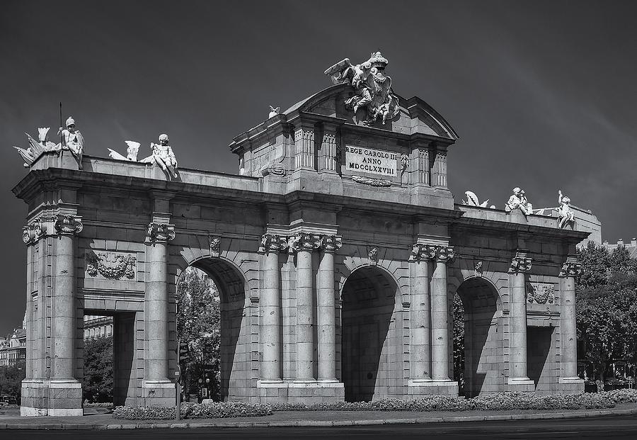 Alcala Photograph - Puerta De Alcala by Susan Candelario