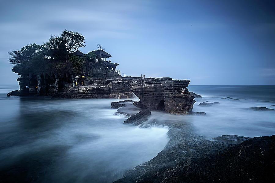 Pura Tanah Lot Photograph by Franciscus Nanang Triana