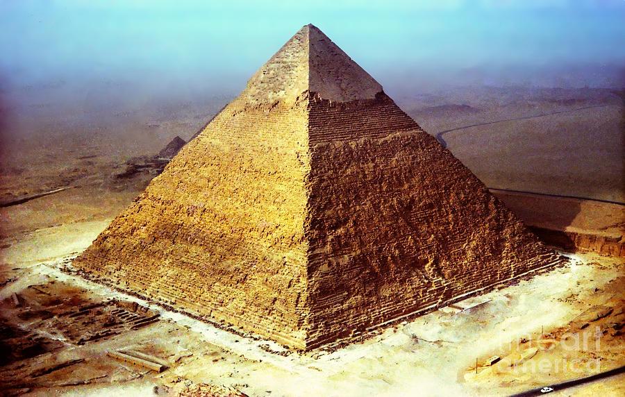 Пирамида в пирамиде картинка рисунок фото