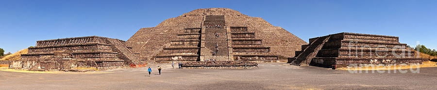 Sean Griffin Photograph - Pyramid Of The Moon Panorama by Sean Griffin