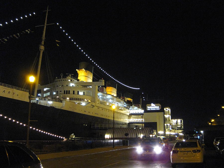 Queen Photograph - Queen Mary - 12127 by DC Photographer