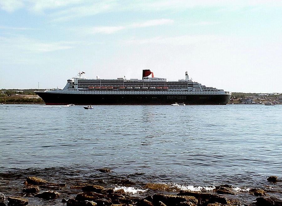 Queen Mary 2 Photograph - Queen Mary 2 Halifax 2004 by George Cousins