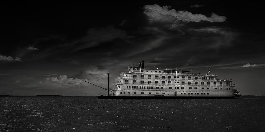 B&w Photograph - Queen Of The Mississippi  by Mario Celzner