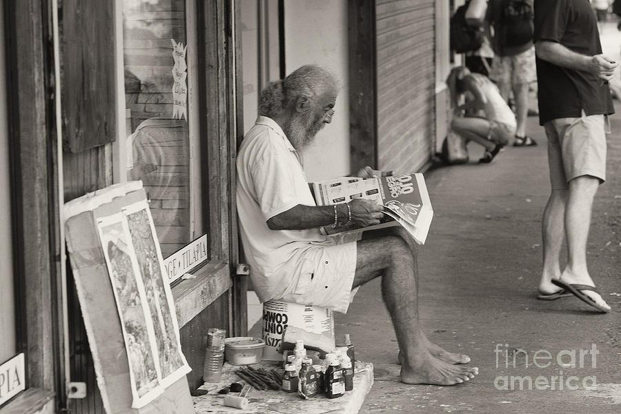 Quepos Photograph - Quepos Street Artist by Russell Christie