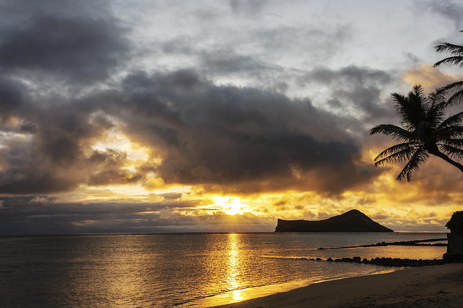 Rabbit Island Sunrise - Oahu Hawaii Photograph by Brian Harig