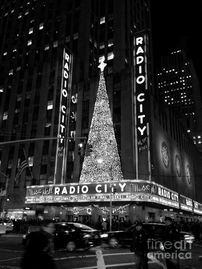Radio City Christmas Tree Black And White Photograph By Miriam Danar