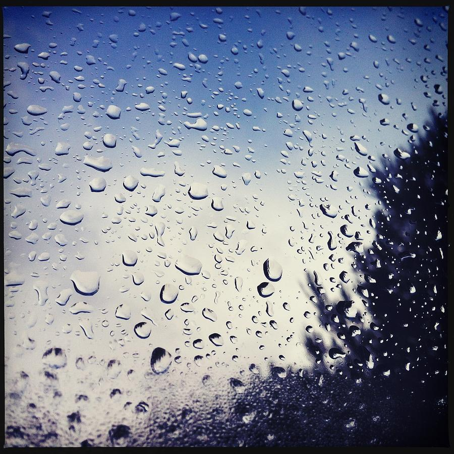 rain drops on a window pane photograph by marco oliveira. Black Bedroom Furniture Sets. Home Design Ideas
