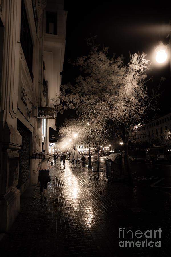 Rainy city streets  by Peter Noyce