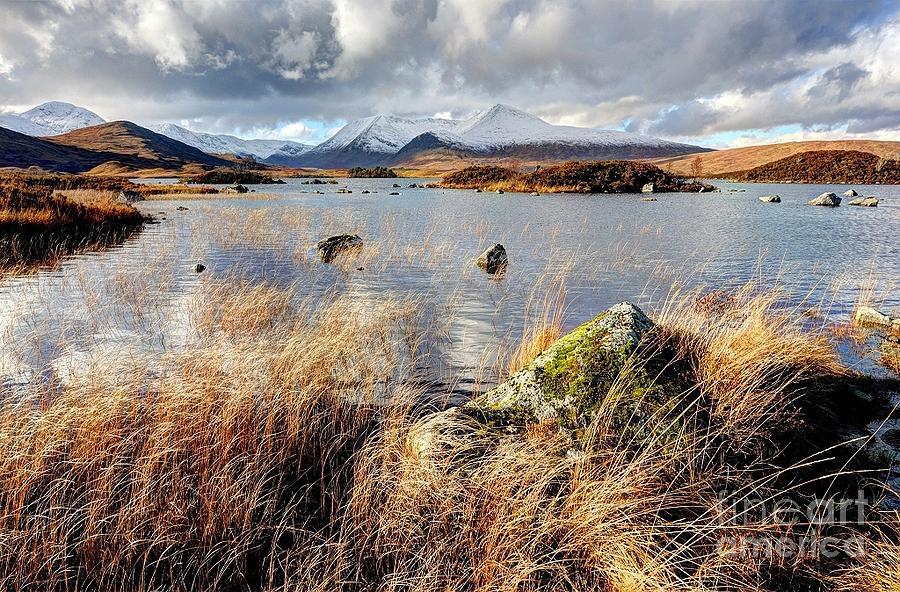 Rannoch Moor Photograph - Rannoch Moor Near Glencoe Scotland by John Kelly