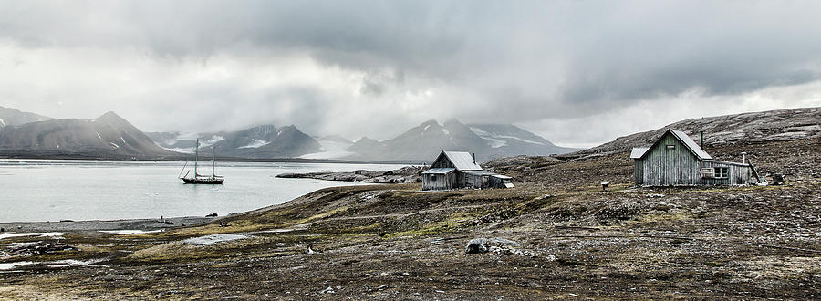 Spitsbergen Photograph - Raw And Deserted by Marloes Van Pareren
