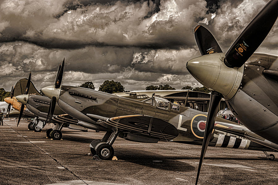 Duxford Photograph - Ready For Action by Martin Newman