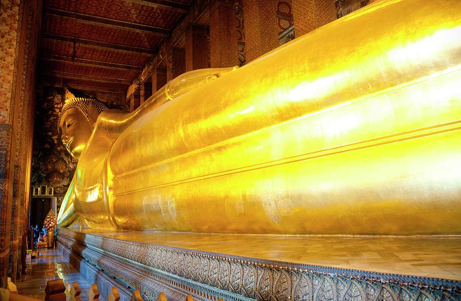 Reclining Buddha, Wat Pho Photograph by Leontura