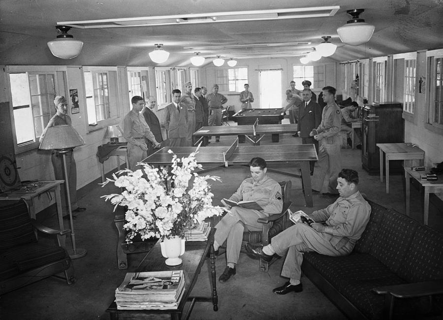 1943 Photograph - Red Cross Club, 1943 by Granger