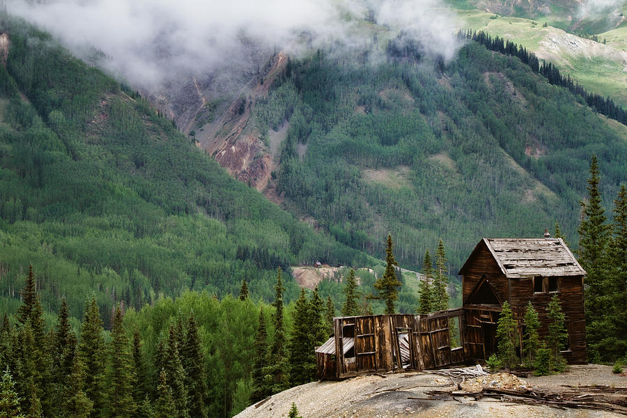 Cabins Photograph - Red Mountain Remnants by Lana Trussell