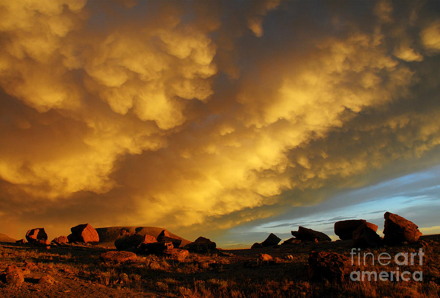 Prairies Photograph - Red Rock Coulee Sunset by Vivian Christopher