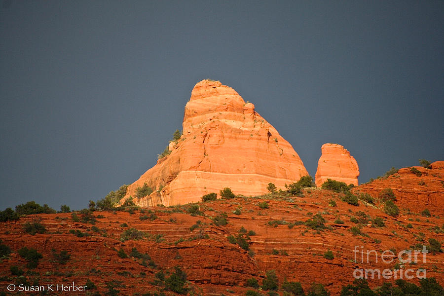 Sedona Photograph - Red Rock Rising by Susan Herber