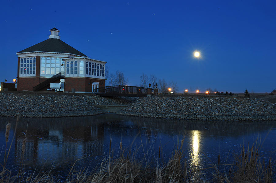 Full Moon Photograph - Redlin Art Center In Full Moon by Dung Ma