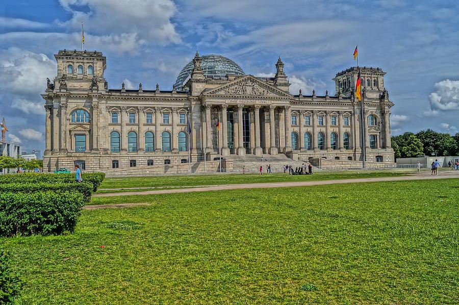 Reichstag Photograph - Reichstag Berlin Hdr by Alexander Drum