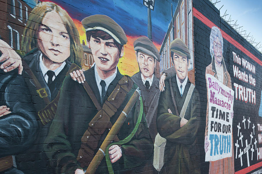 Horizontal Photograph - Republican Murals Against British Rule by Panoramic Images