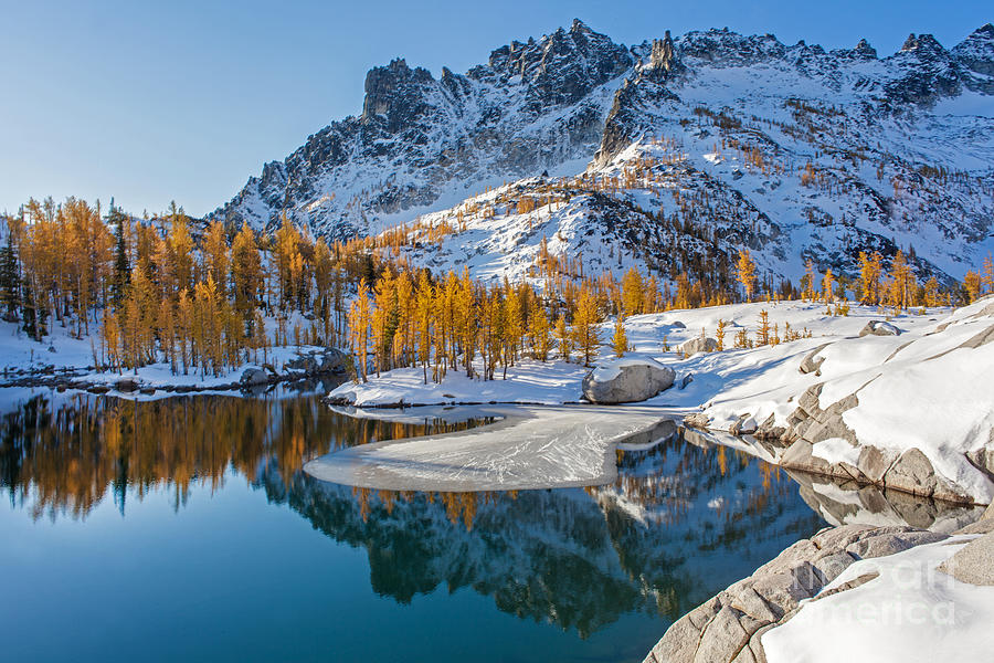 Enchantments Photograph - Resplendent Alpine Autumn by Mike Reid