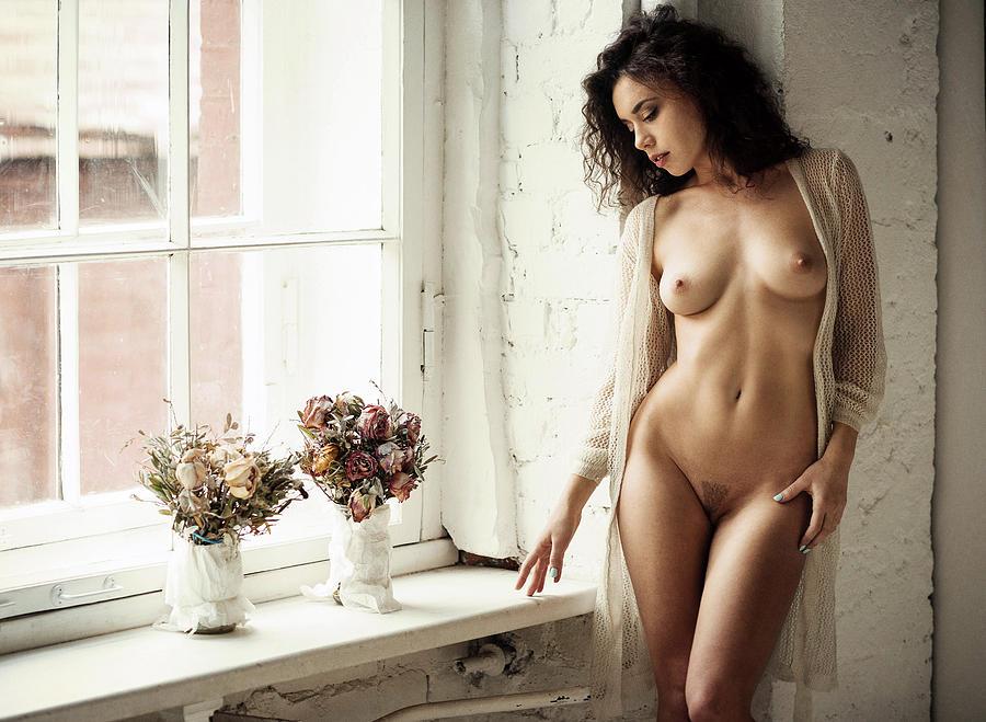 Fine Art Nude Photograph - Retrato Con Flores by Gene Oryx