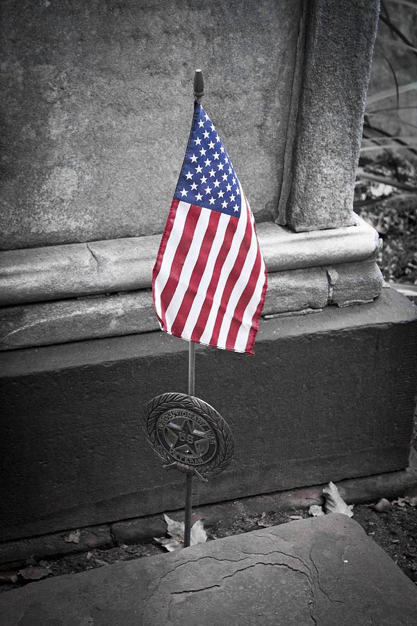 Trinity Church Photograph - Revolutionary War Veteran Marker by Teresa Mucha