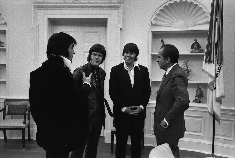 History Photograph - Richard Nixon Meeting Elvis Presley by Everett