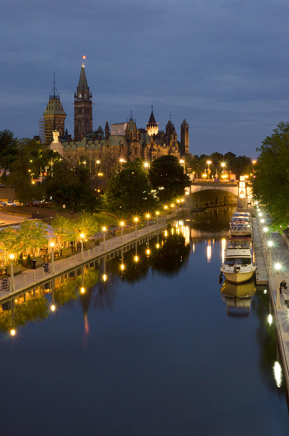 Pixels Photograph - Rideau Canal And The Parliament Buildings At Night by Rob Huntley