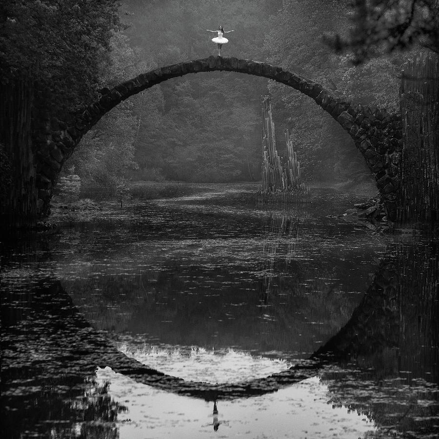 Landscape Photograph - Ring by ?ukasz Koz?owski