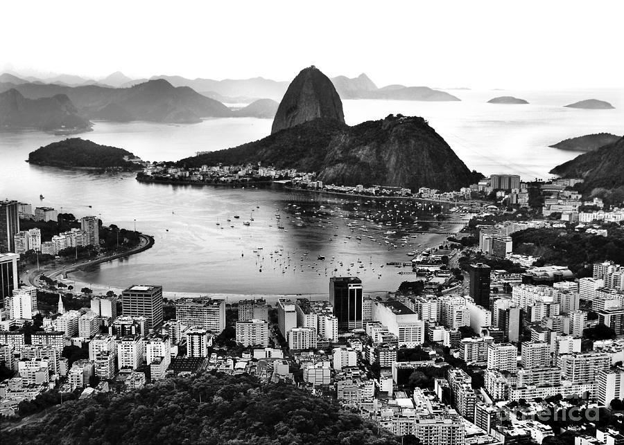 Rio de Janeiro famous sightseeing - Sugar Loaf / Guanabara Bay by Carlos Alkmin