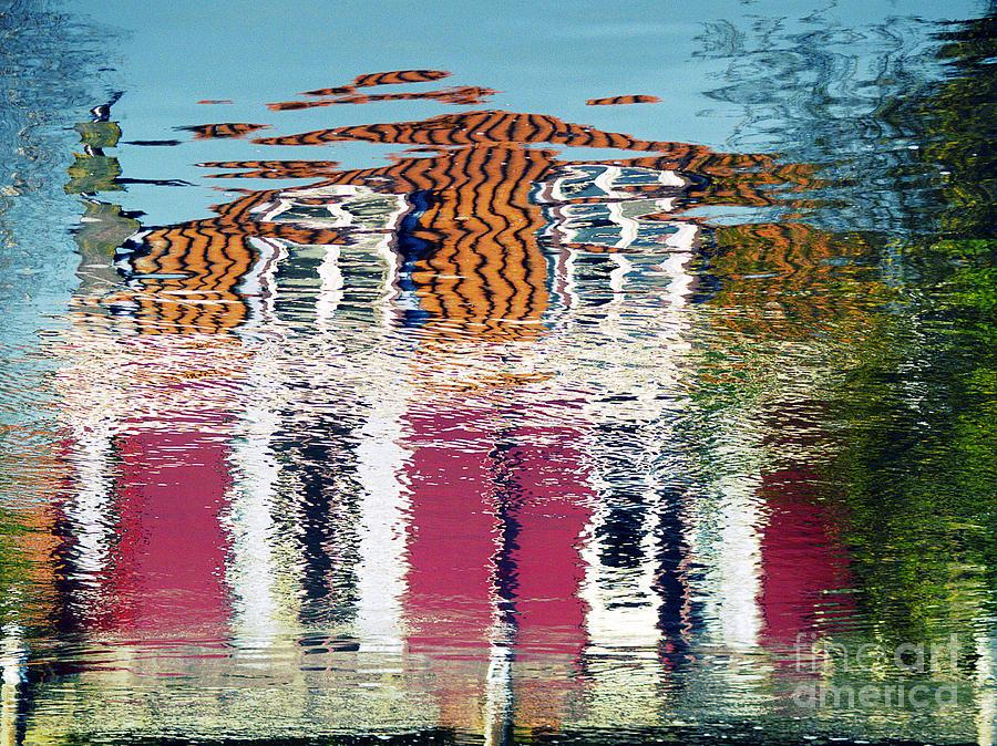 River House by Luc Van de Steeg
