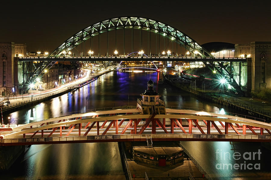 River Tyne at Night by Les Bell