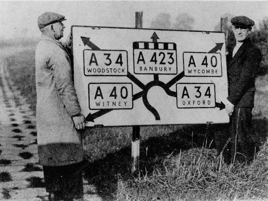 Road Sign Photograph - Road Sign Removal by Oxford University Images/science Photo Library
