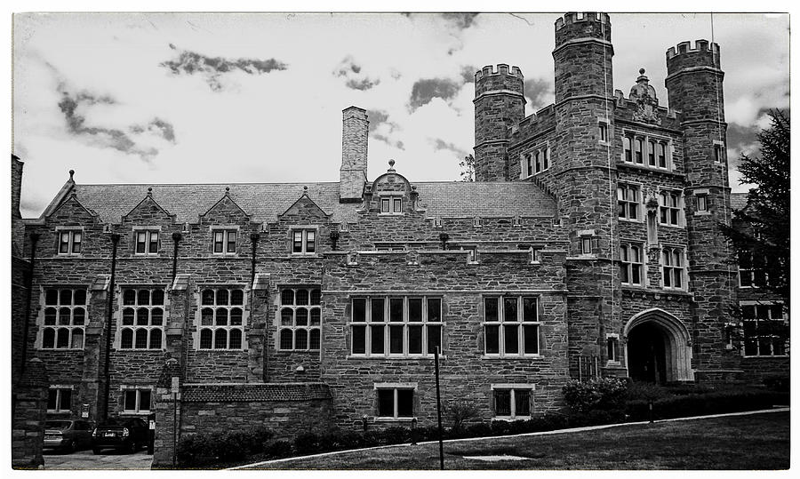 Rockefeller Hall Photograph - Rockefeller Hall - Bryn Mawr In Black And White by Georgia Fowler