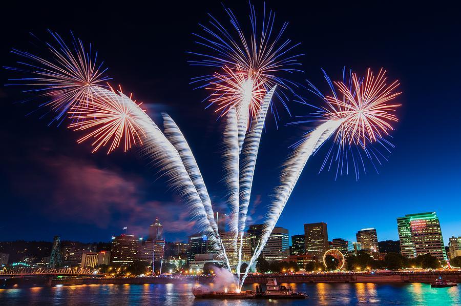 Fireworks Photograph - Rockets Red Glare by Brian Bonham